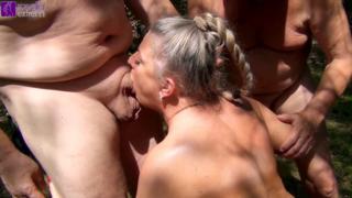 Deepthroat blowjob sperma
